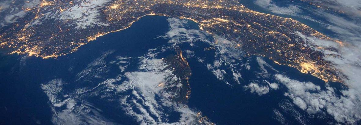 فیلم ، تصاویر فضانورد سازمان فضایی اروپا از خلیج فارس تا رشته کوه هیمالیا