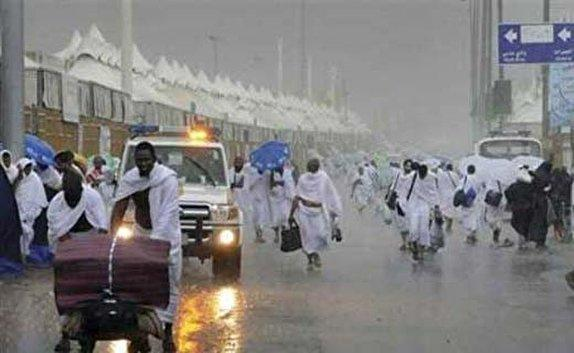 بارش رحمت الهی در صحرای عرفات