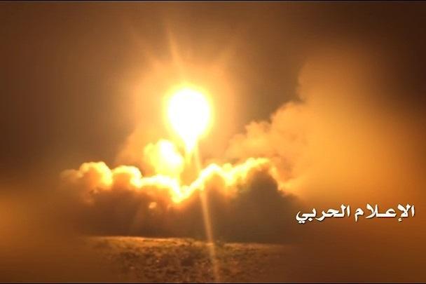 هلاکت مزدوران سعودی درپی شلیک موشک زلزال 1 توسط نیرو های یمنی