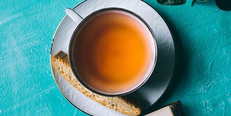 نتایج یک مطالعه: افرادی که به طور مرتب چای می نوشند؛ ذهنی کارآمدتر و سازمان یافته دارند